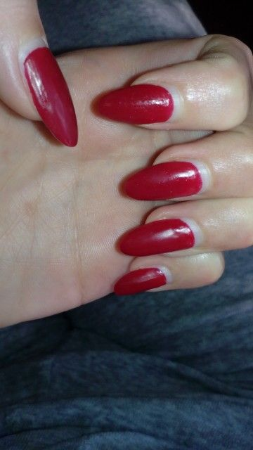 Red Mat Oval Nails