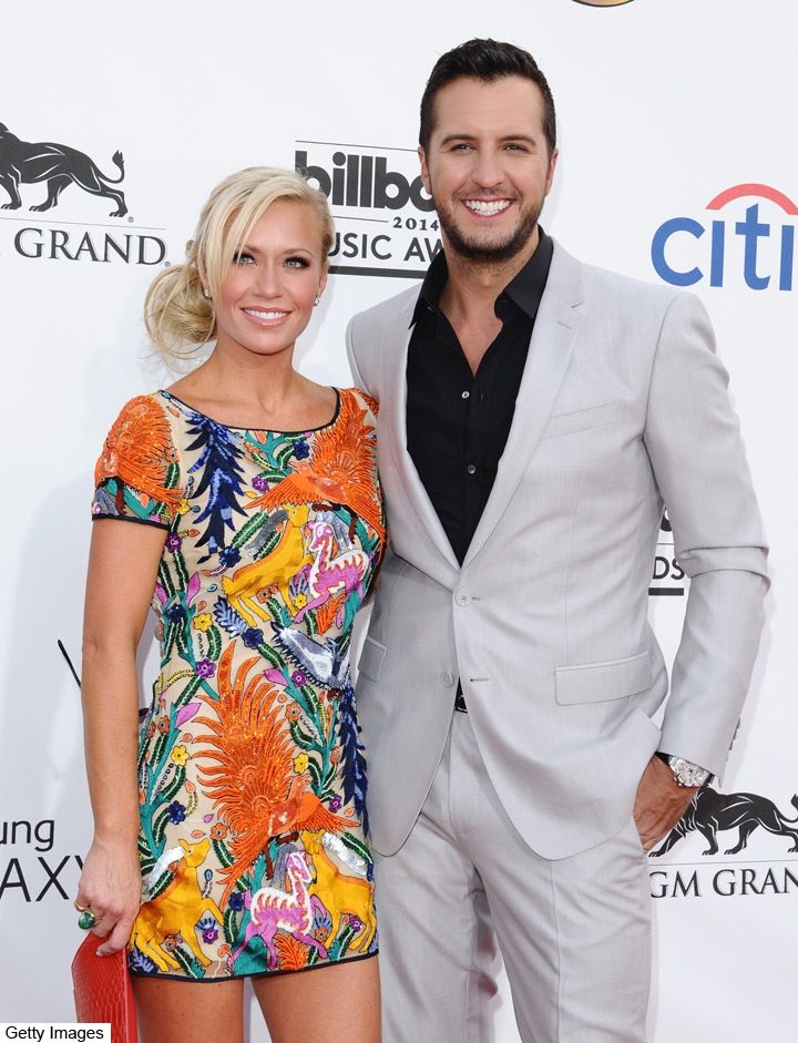 """Luke Bryan Talks Being """"Honored"""" to Raise His Late Sister's Kids After Her Death"""