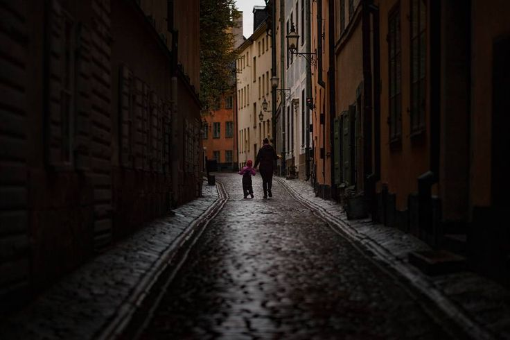 Home sweet home.. . . . . #scottkelby #wwpw2017  #streetphotography #wwpw2017se #worldwidephotowalk #photowalk #streetphotography #ig_worldwide #photowalk #rainyday #worldwidephotowalk2017 #stockholm #gamlastan