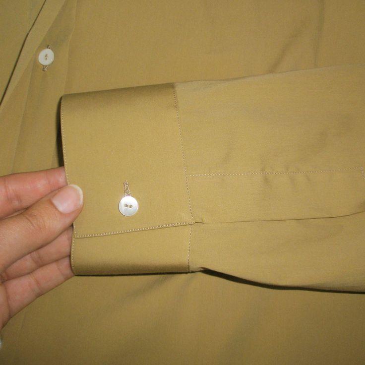 Dettagli sartoriali sulla camicia senape con bottoni madreperla, 46inpoi le camicie donna solo per taglie comode #46inpoi #senape #mustard #taglieforti #donnemorbide #taglie #conformate #curvy