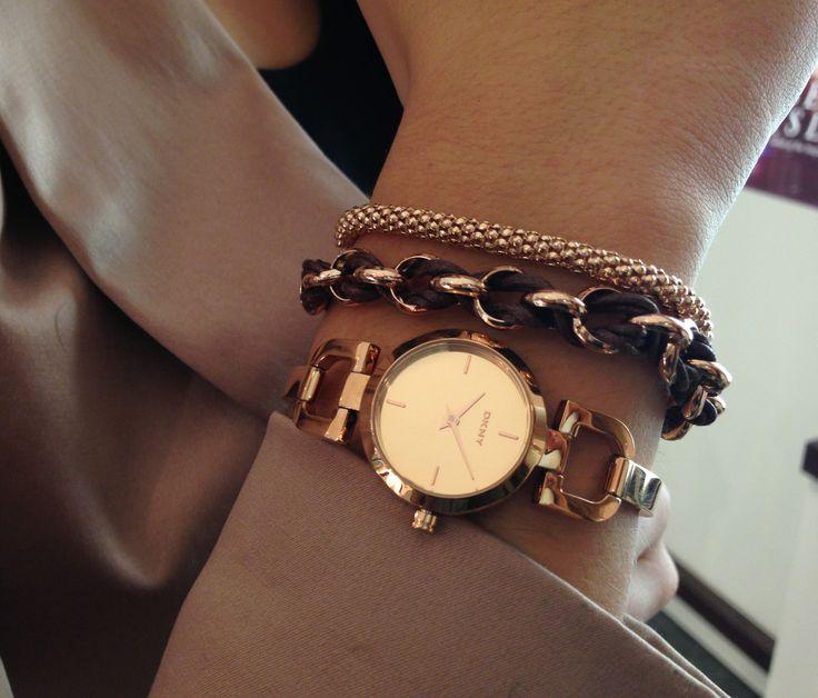 DKNY horloge en Zinzi