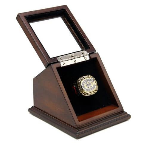 NHL 1986 Montreal Canadiens Stanley Cup Championship Replica Fan Ring with Wooden Display Case