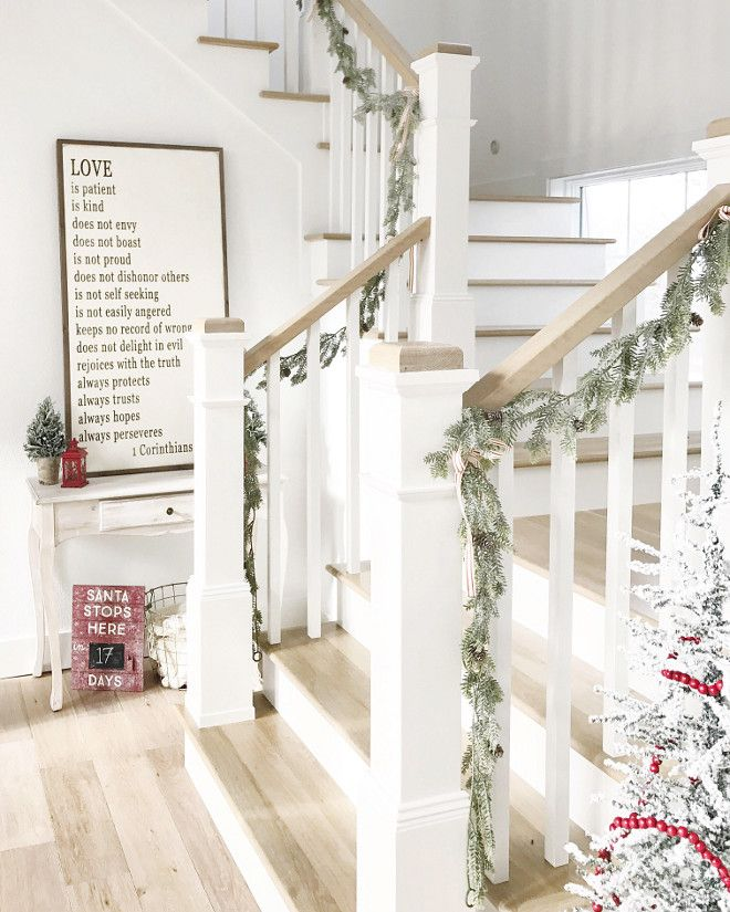 Elegant And Neutral Christmas Foyer: Best 25+ Farmhouse Stairs Ideas On Pinterest