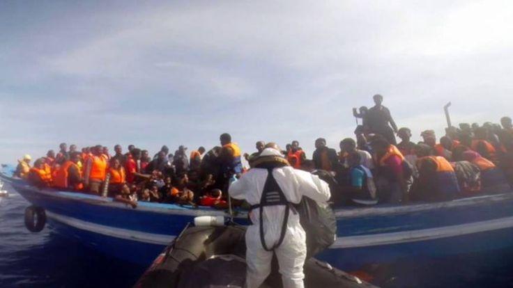 Kustwacht Italië haalt 5600 mensen van zee | NOS