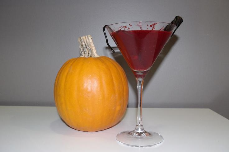 Skinnygirl White Cranpire Blood Martini #cocktail #recipe