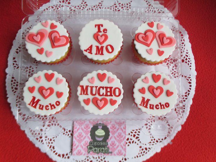 Cupcakes Amor.  Están de aniversario,cumplemes o simplemente y quieres sorprenderlo(a) con algo único y especial?? Tu escoges el mensaje, colores y diseño de cada uno de los cupcakes, especialmente para entregar un dulce, hermoso y delicioso regalo.