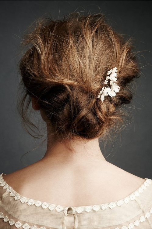 Perfect messy bun with brooch