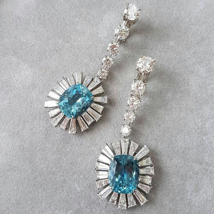 Weekend blues made better by these rare aquamarine and diamond earrings from the #GalaCollection : @nickibydesign