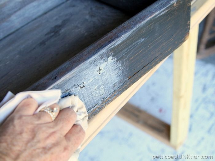 Antiquing Paint: How To Use Waxes And Toners
