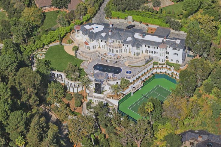 Liongate La Espectacular Mega Mansion En Bel Air De 24 000 Pies Cuadrados Vendida Por 50 Millones Hollywood Homes Mansions Mansions For Sale