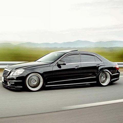 Mercedes Benz E63 AMG #mercedesbenz #e63 #e550 #amg #airrunner #rollingshot #vip…