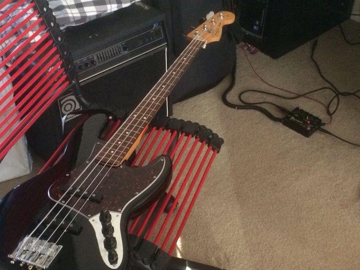MiM 97 Fender Jazz Bass with modified Badass 2 bridge and Seymour ...