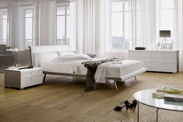 Aragona - letto in legno #wood #legno #room #bedroom #bed #letto #letti #arredo #night #notte  http://www.zanette.it/it_IT/products/3/gallery/11/line/24/subline/43