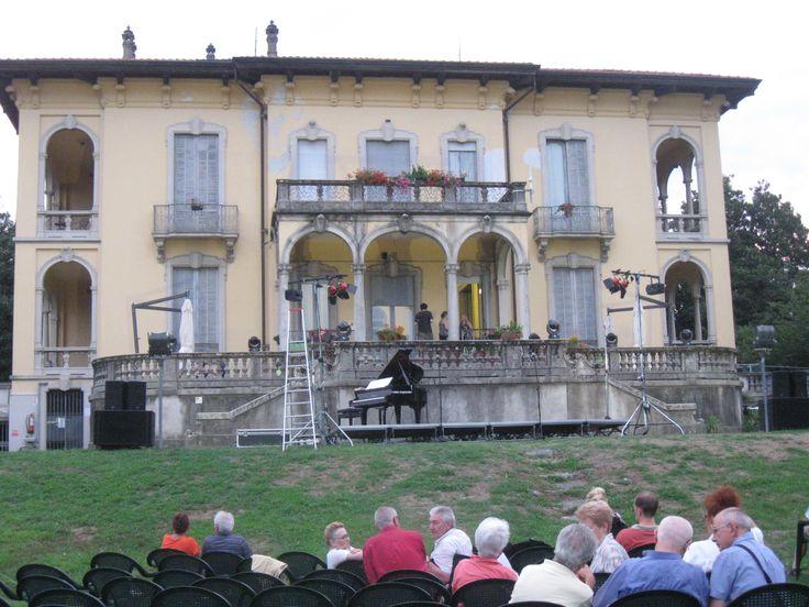 Biblioteca Civica P. Ceretti nel Verbania, Piemonte
