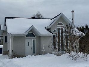 Aubaine, maison de 4 chambres à vendre