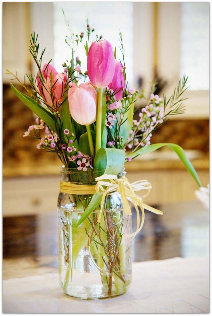 Encuentra aquí ideas fáciles y originales para hacer 5 centros de flores para tu casa. ¡Llena de primavera tu hogar!