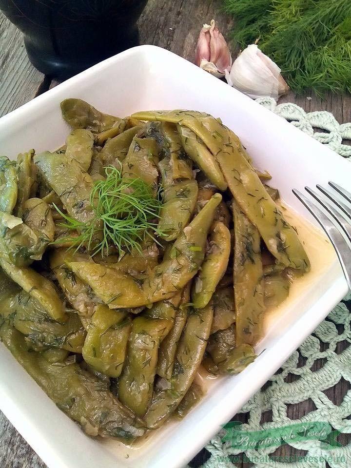 Pastai cu usturoi. Reteta pastai verzi pestrite cu usturoi. Cum pregatim pastaile prajite cu usturoi.Reteta de post cu pastai verzi