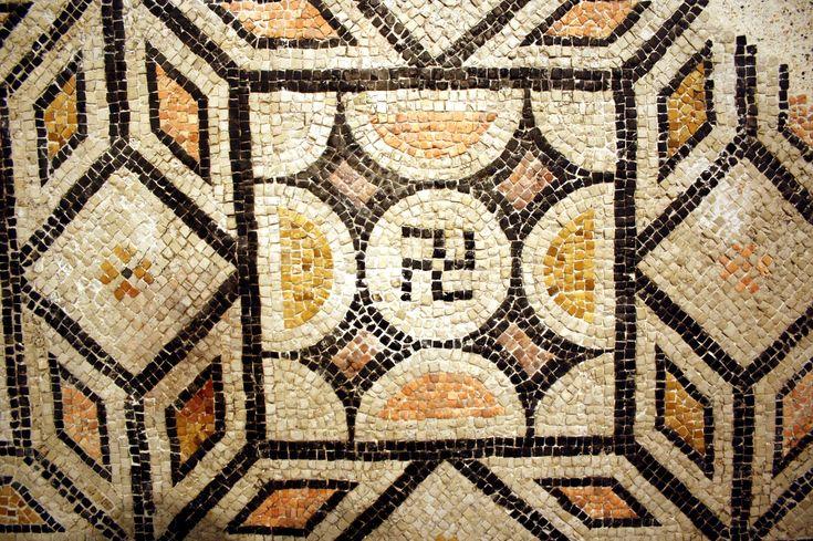 Antiche svastiche: l'origine luminosa di un simbolo oscuro