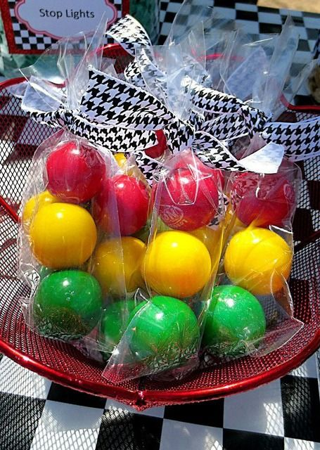 These stoplight play balls make great party favors for your party guests to take home from your Hot Wheels themed birthday!