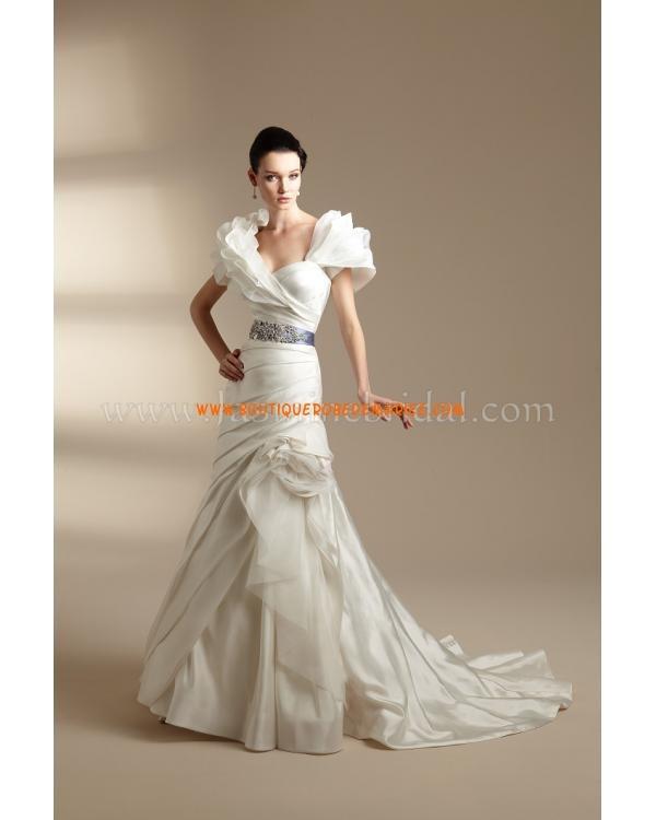 Robe de mariée bustier coeur avec châle ruban  Robe de mariée 2012 ...