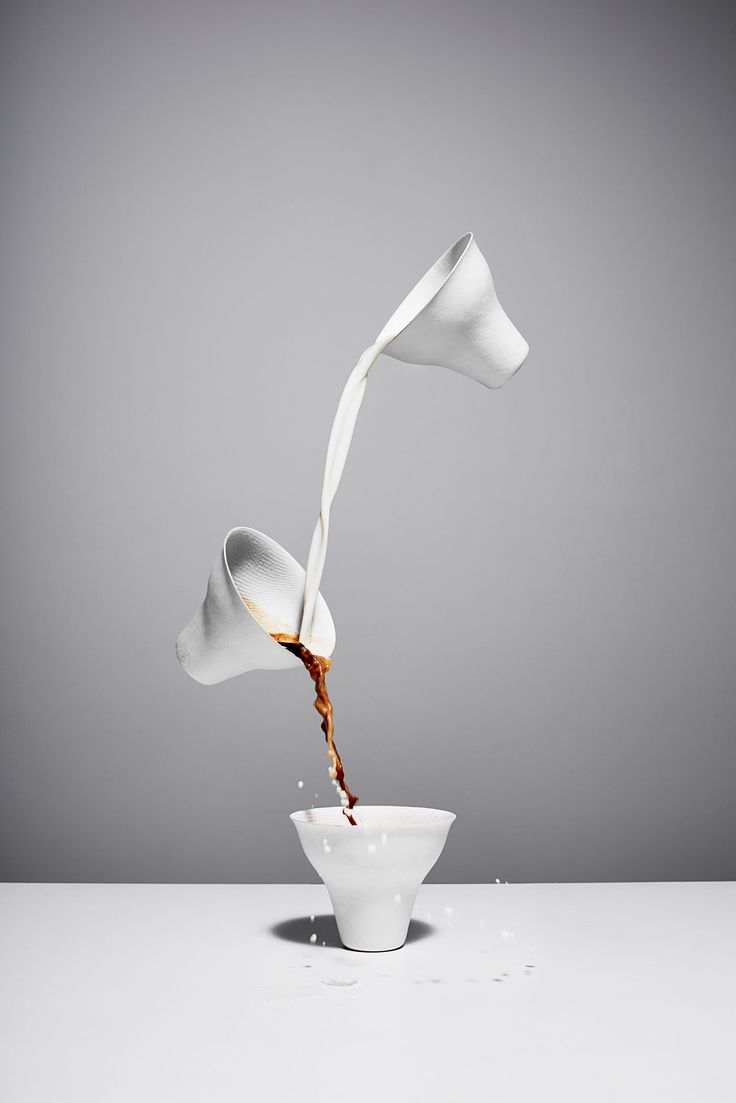 "Simply powerful / Brook Holm ""Still Life"""