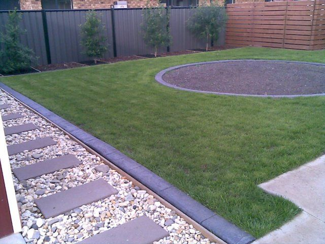 Paved garden ideas paved garden edging proline landscape for Landscaping rocks sunshine coast