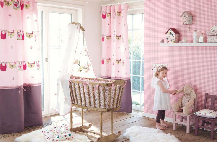 Pokój małej dziewczynki: 20 pomysłów na bajkowe tapety  - zdjęcie numer 7