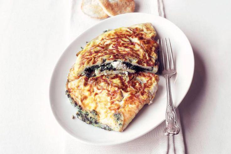 Kijk wat een lekker recept ik heb gevonden op Allerhande! Omelet met spinazie en geitenkaas