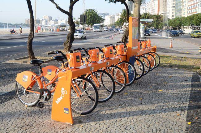 Um termo de cooperação entre a Prefeitura e o banco Itaú deve resultar na criação de 300 estações de empréstimo de bicicletas espalhadas pela cidade, equipadas com 3.000 bikes.