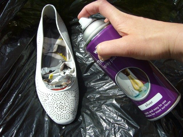 angel in the north blog DIY tutorial spray paint shoes 011                                                                                                                                                                                 More