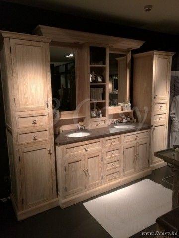 25 beste idee n over landelijke stijl badkamers op pinterest rustiek chique badkamers - Badkamermeubels oude stijl ...