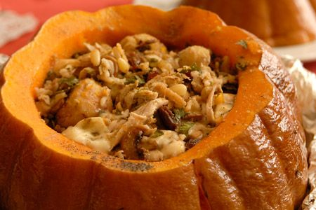 Κολοκύθα γεμιστή με κοτόπουλο, κάστανα, μανιτάρια και ρύζι - Γρήγορες Συνταγές | γαστρονόμος online