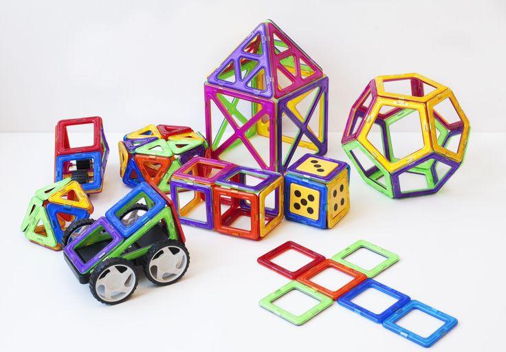 Med dessa magnetiska brickor kan dina barn få utlopp för sin egen kreativitet. Bygg bilar, djur, robotar! Vi säljer Magplayer til det bästa priset på nätet!