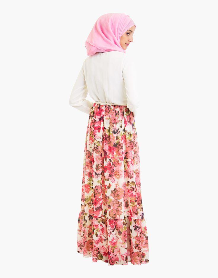 http://www.islamicdesignhouse.com/gb/women/abayas-jilbabs/silk-route-collection/versastyle/english-rose/