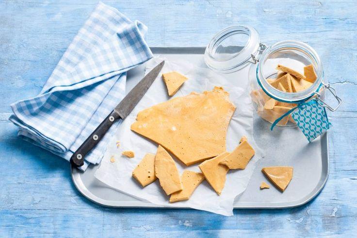 Voor doe-het-zelf-zoetekauwen: luchtige karamel maken - Recept - Allerhande