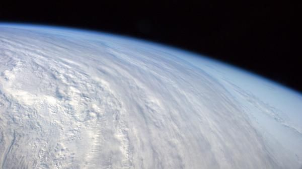 Atmospheric Phenomena: Breathtaking pictures taken from the Space Station ISS