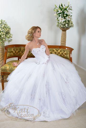 160- hercegnős esküvői ruha, levehető pánttal is viselhető