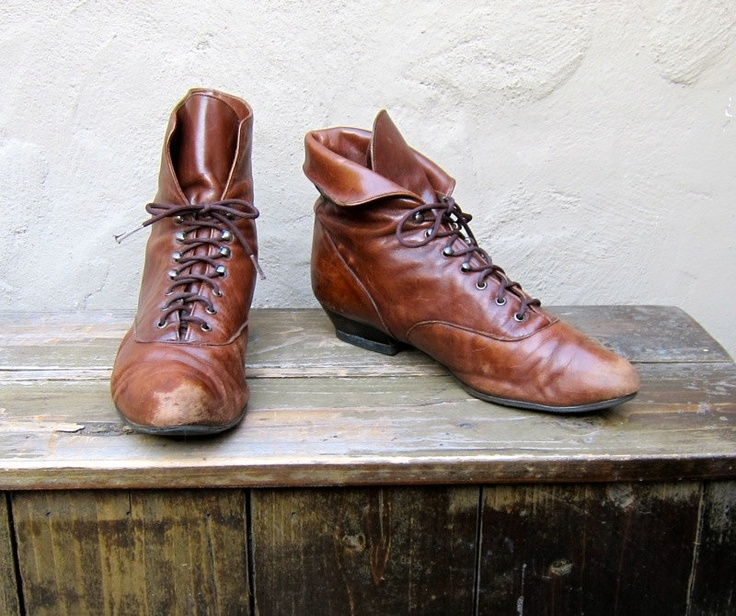 Vintage Worn In Brown Leather Granny Lace Up Boots Ladies