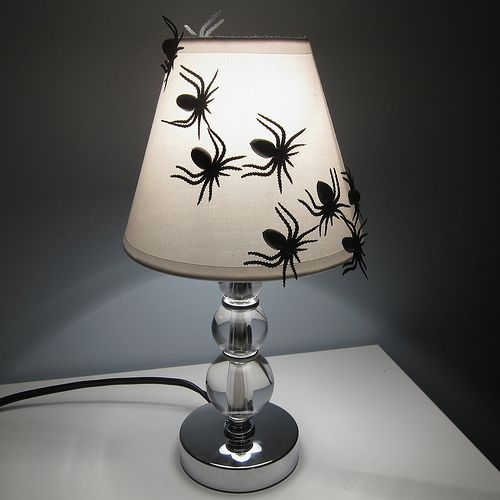 Spider Lampshade: Cheap Lampshades, Halloween Projects, Halloween Decor, Spiders Lampshades, Creepy Crawli, Crawli Halloween, Halloween Lampshades, Decor Projects, Halloween Ideas