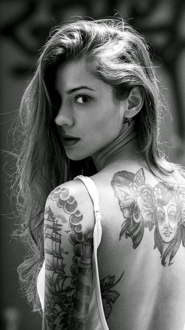 Beautiful Girl Tattooed Back iPhone 5s wallpaper