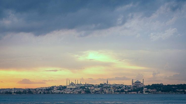 The city where every human should visit Istanbul.  #bosphorus #bluemosque #ayasophia #inistanbul #comeseeturkey #modasahil #kadikoymoda #kadikoy #eminonu #traveladdict #ig_shotz #greatshotz #clouds #cloudporn #sunsets #sunsethunter