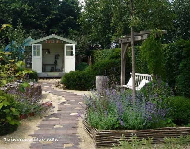 17 beste idee n over kleine tuin ontwerpen op pinterest tuin zitplaatsen inde tuin en kleine - Tuin ontwerp foto ...