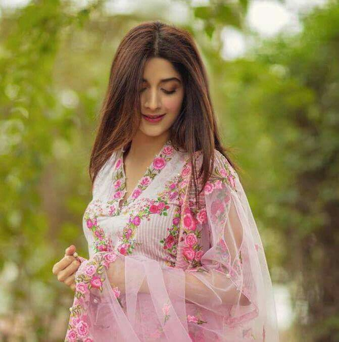 Recent Click Beautiful Mawra Hocane