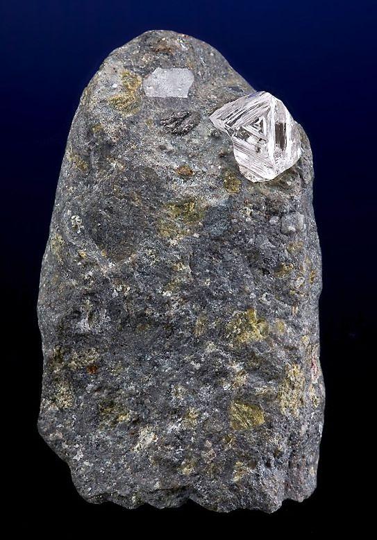 4 ct Diamond in Kimberlite matrix / Mir Pipe, Russia ...