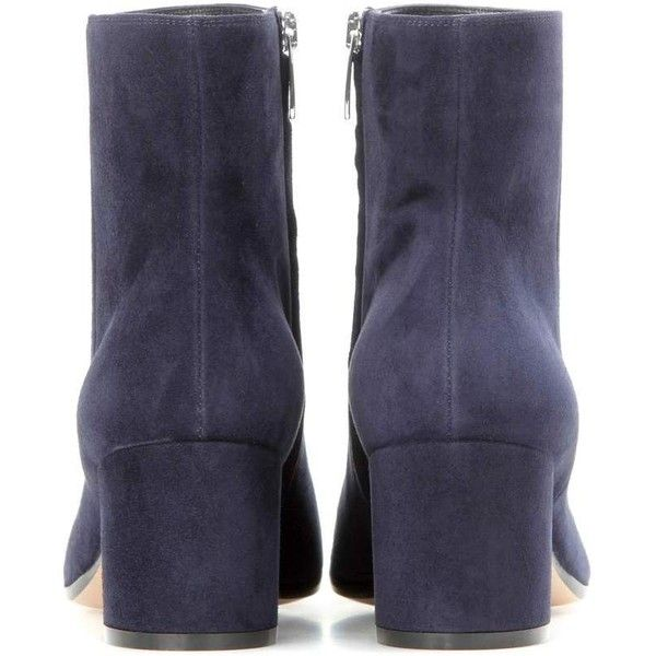 Gianvito Rossi Margaux Mid Suede Ankle Boots (12.568.110 IDR) ❤ liked on Polyvore featuring shoes, boots, ankle booties, navy ankle boots, short boots, navy boots, navy blue ankle boots and suede ankle boots