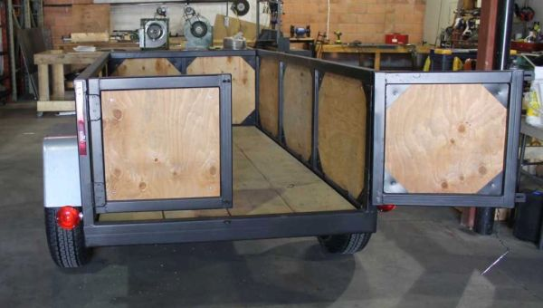 Utility Trailer with 'Barn' doors ...