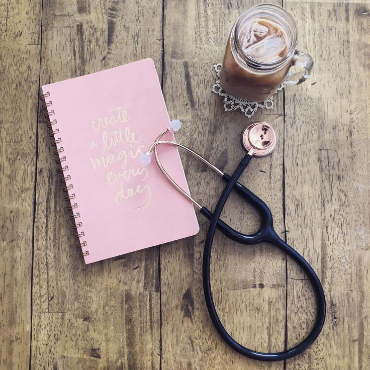 die besten 25 rosa stethoskop ideen auf pinterest meereshandwerk mario und luigi kost m und. Black Bedroom Furniture Sets. Home Design Ideas
