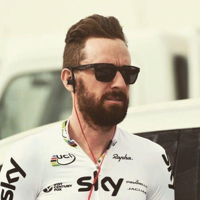 "29 mentions J'aime, 1 commentaires - Benjamin Feauveau (@infinybike) sur Instagram: ""Sir Bradley Wiggins #sport#cyclisme#cycliste#cycling#bike#pro#sir#classe#tattoo#style#rock"""