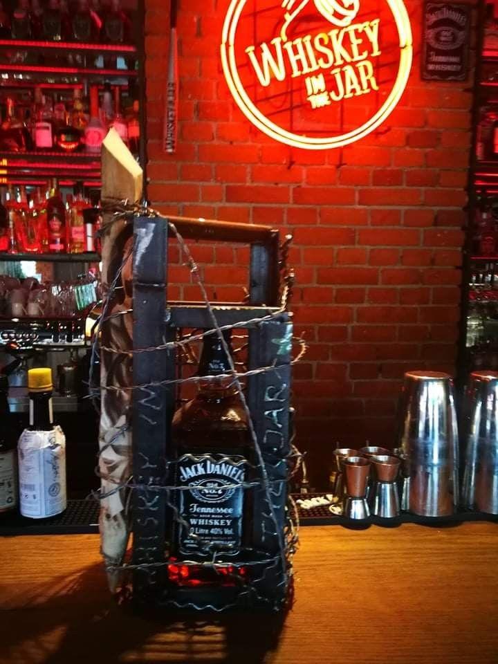 Klatka Na Prezent Jar Neon Signs Whiskey