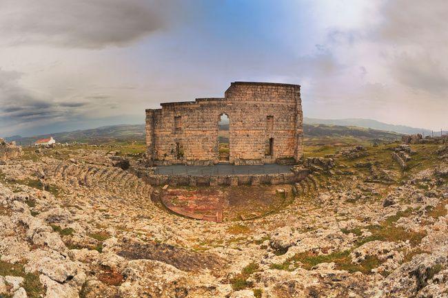 TESOROS ARQUEOLÓGICOS IBÉRICOS   Teatro Romano de Segóbriga (Cuenca): el graderío mejor conservado